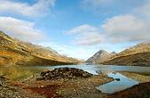 イタリアとスイスの間の高いアルプスの山々. — ストック写真