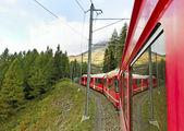 Trem vermelho. — Foto Stock