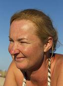 Woman on the beach. — Stock Photo
