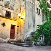 Cute old yard in Croatia. — Stock Photo