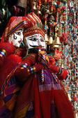 Kleurrijke handgemaakte traditionele marionetten te koop, rajasthan — Stockfoto