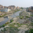 Polluted slum area near sacred Bagmati river in Kathmandu, Nepal — Stock Photo