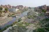 Polluted slum area near sacred Bagmati river in Kathmandu, Nepal — Stock Photo
