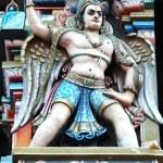 Garuda - hindu mythical bird, decoration on Sri Rangam Temple — Stock Photo #3317969