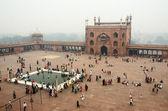 善信前往老德里,印度北方邦的主要清真寺 — 图库照片