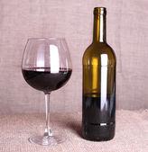 葡萄酒瓶和玻璃 — 图库照片