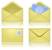 Yellow Mail Envelopes with Reflection — Stock Vector