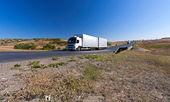 Camion sur route — Photo