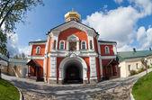Rus ortodoks kilisesi. iversky manastırı'valdai, rusya federasyonu. — Stok fotoğraf