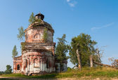 Old abandoned church in Novgorod region, Russia — Stok fotoğraf