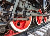 Velho vapor locomotiva roda e hastes detalhes do motor — Fotografia Stock