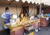 SAMARA, RUSSIA - OCTOBER 20: Women seller of honey on the tradit — Stock Photo