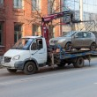 SAMARA, RUSSI- NOVEMBER 7: Evacuation vehicle for traffic viol — Stock Photo #35281515