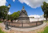 NOVGOROD, RUSSIA - AUGUST 10, 2013: Bronze monument for Millenni — Stock Photo