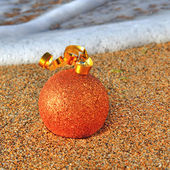 Plaj kum üzerinde noel dekorasyon — Stok fotoğraf