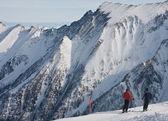 A woman is skiing at a ski resort of Kaprun, Kitzsteinhorn glaci — Stock Photo
