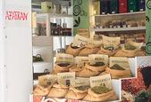 Selling spices in Granada, Andalucia, Spain — Foto Stock