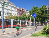 Bike path in the city of Vienna, Austria — Stock Photo