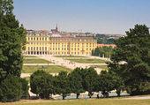 Panorama of Schonbrunn Palace in Vienna, Austria — Stock Photo