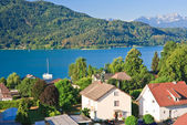 курорт portschach ам зе и озеро worthersee. австрия — Стоковое фото