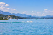 Water skiing on Lake Worth (Worthersee). Austria — Stock Photo
