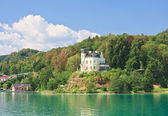 Reifnitz Castle on Lake Worth in Carinthia, Austria — Stock Photo