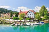 Resort Reifnitz . Lake Worth. Carinthia, Austria — 图库照片