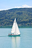 Yacht on Lake Worth (Worthersee). Austria — Stock Photo