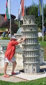 "Leaning Tower of Pisa, Italy.Klagenfurt. Miniature Park ""Minimun — Stock Photo"