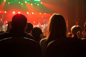 Audience applauded at the concert artists. — Stock Photo