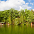 Lodge by the lake — Stock Photo