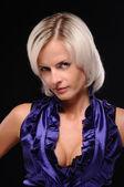 Porträtt av charmig blondin — Stockfoto