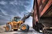Carregador escavadeira com obras de retroescavadeira — Foto Stock