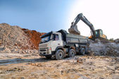 Loading a large lorry building material — Stock Photo