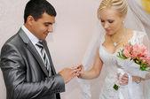 Exchange of wedding rings — Stock Photo