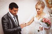 交换结婚戒指的 — 图库照片