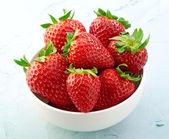 Frische erdbeeren — Stockfoto