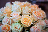 Wedding bouquet of roses — Stock Photo