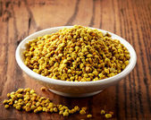 Bowl of bee pollen — Stock Photo