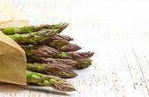 Fresh raw asparagus — Stock Photo