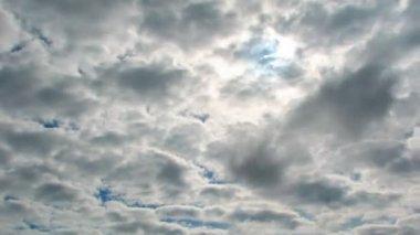 Moody sky, sun, timelapse — Stock Video