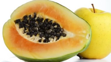 Papaya, apple, pear, fruit rotating — Stock Video