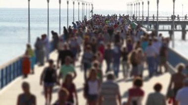 Crowded pier, tilt-shift — Stock Video
