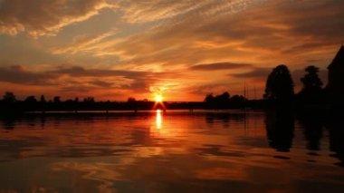 Trakai castle and sunset — Stock Video
