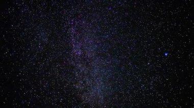 Yıldızlı gökyüzü, hızlandırılmış — Stok video