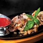 Барбекю. жаркое из филе говядины — Стоковое фото
