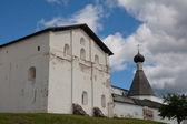 белый монастырь — Стоковое фото