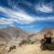Foto de Stock  : Tourist in Himalayas