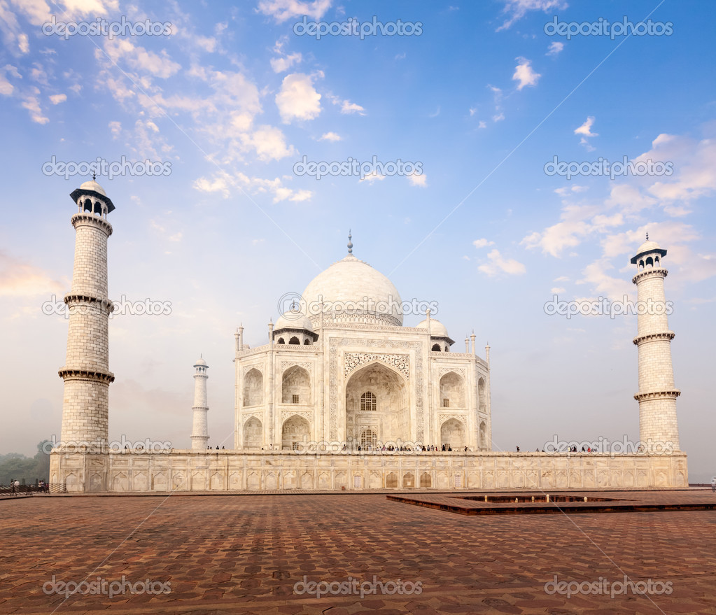 Taj Mahal on sunrise sunset, Agra, India – Stock Editorial ...