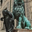 Bavarian lion statue at Munich Residenz palace — Stock Photo